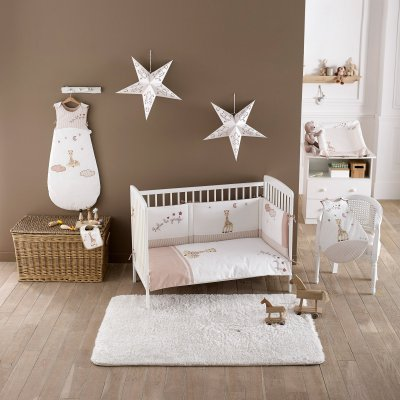 sophie la girafe de babycalin tour de lit sophie la girafe made in b b. Black Bedroom Furniture Sets. Home Design Ideas